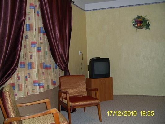 1-комнатная квартира посуточно в Ужгороде. ул. Добрянского, 25/1. Фото 1