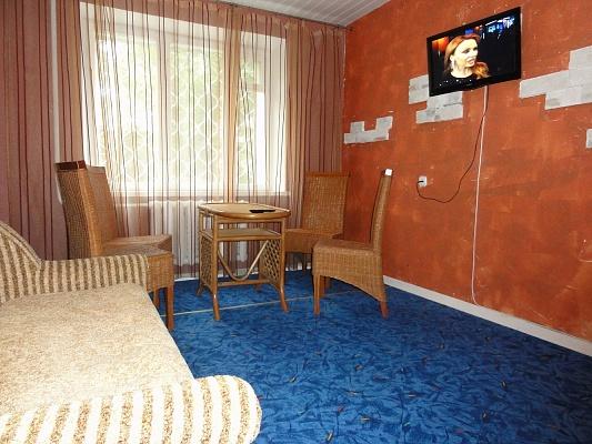 2-комнатная квартира посуточно в Харькове. Дзержинский район, ул. Космическая, 23. Фото 1