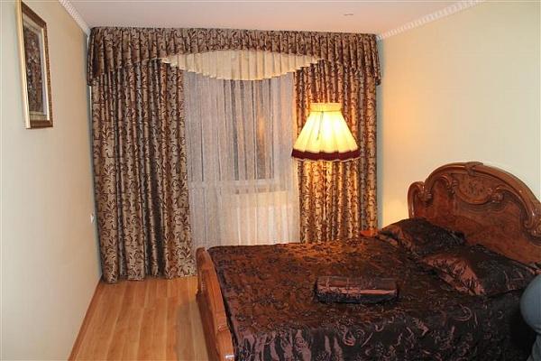 3-комнатная квартира посуточно в Тернополе. пер. Кирпичный, 7. Фото 1