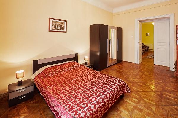 2-комнатная квартира посуточно в Львове. Галицкий район, ул. Григоровича, 7. Фото 1