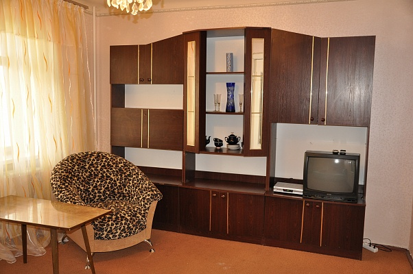 2-комнатная квартира посуточно в Киеве. Печерский район, б-р Леси Украинки, 30a. Фото 1