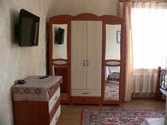2-комнатная квартира посуточно в Умани. ул. Перовская, 6. Фото 1