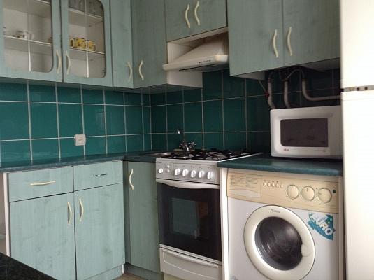 3-комнатная квартира посуточно в Ровно. ул. Соломии Крушельницкои, 52 а. Фото 1