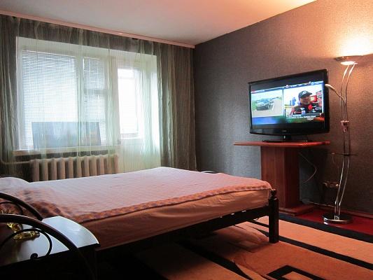 3-комнатная квартира посуточно в Прилуках. ул. Индустриальная, 13. Фото 1