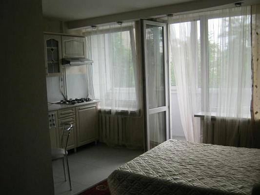 1-комнатная квартира посуточно в Киеве. Печерский район, ул. Бастионная, 5. Фото 1