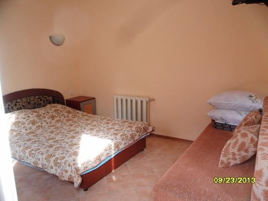 1-комнатная квартира посуточно в Евпатории. ул. Кирова, 68. Фото 1