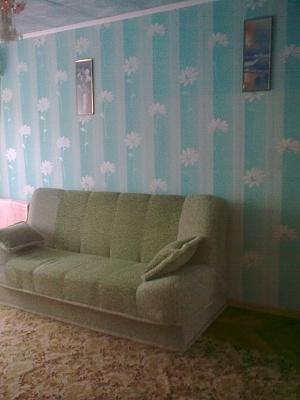 2-комнатная квартира посуточно в Бердянске. ул. Пушкина, 14. Фото 1