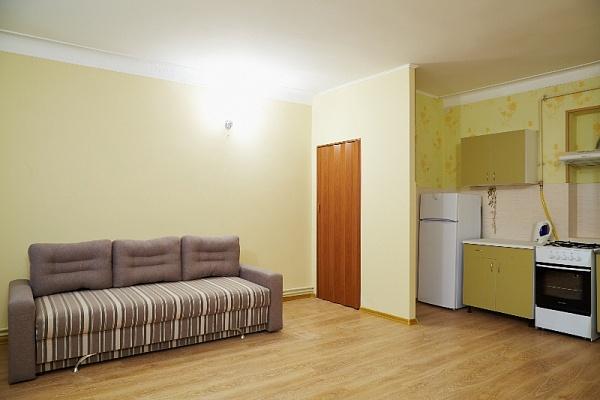 1-комнатная квартира посуточно в Львове. Галицкий район, ул. Братьев Рогатинцев, 22. Фото 1