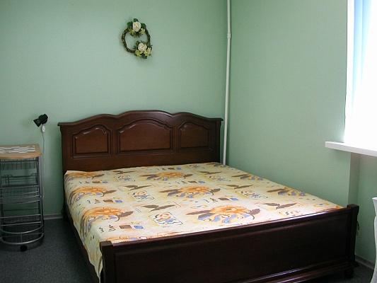 2-комнатная квартира посуточно в Ильичёвске. Пригород район, парковая, 10. Фото 1