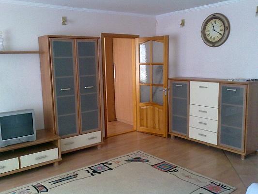 2-комнатная квартира посуточно в Одессе. Киевский район, ул. Королева, 81/3. Фото 1