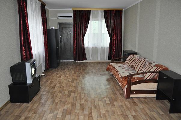 1-комнатная квартира посуточно в Алупке. Южнобережный спуск, 5г. Фото 1