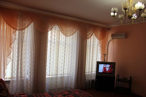 2-комнатная квартира посуточно в Одессе. Приморский район, ул. Дерибасовская, 1. Фото 1
