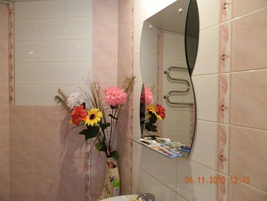 1-комнатная квартира посуточно в Кременчуге. ул. Пролетарская, 9. Фото 1