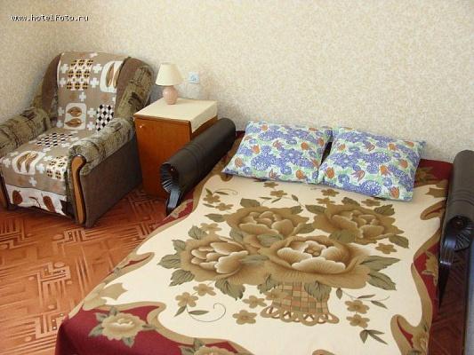 1-комнатная квартира посуточно в Евпатории. ул. Заводская, 40. Фото 1