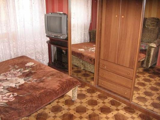1-комнатная квартира посуточно в Саках. ул. Строительная, 16. Фото 1