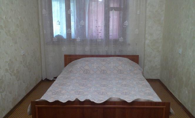 1-комнатная квартира посуточно в Симферополе. ул. Строителей, 10. Фото 1
