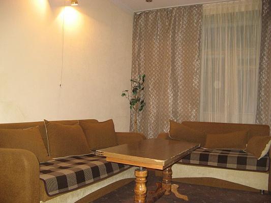 1-комнатная квартира посуточно в Киеве. Печерский район, ул. Мечникова, 4. Фото 1