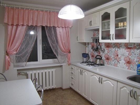1-комнатная квартира посуточно в Мелитополе. ул. Свердлова, 35. Фото 1