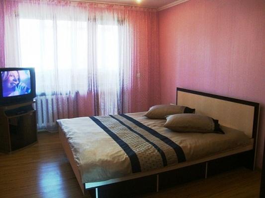 2-комнатная квартира посуточно в Черновцах. Шевченковский район, ул. Комарова. Фото 1