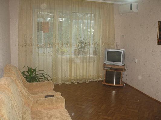 3-комнатная квартира посуточно в Бердянске. ул. Мичурина, 85. Фото 1