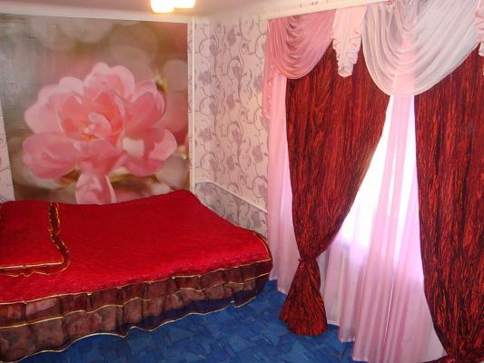 2-комнатная квартира посуточно в Запорожье. Жовтневый район, ул. Первая Ливарная (Красногвардейская), 27-А. Фото 1