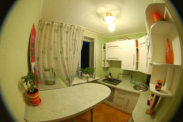 1-комнатная квартира посуточно в Севастополе. Ленинский район, ул. Ленина, 39. Фото 1