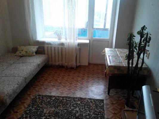 1-комнатная квартира посуточно в Симферополе. Железнодорожный район, ул. Строителей, 4. Фото 1