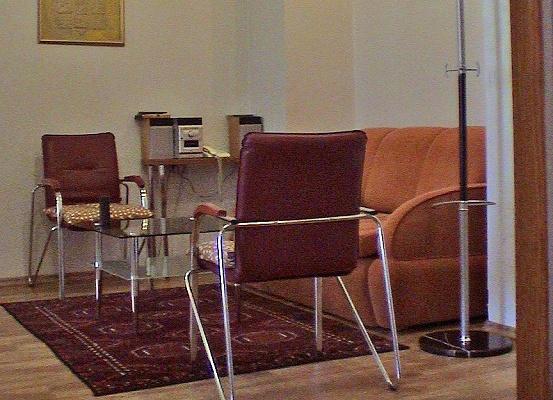 2-комнатная квартира посуточно в Херсоне. Суворовский район, ул. Суворова, 7/9. Фото 1