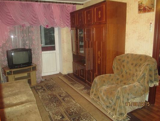 2-комнатная квартира посуточно в Евпатории. ул. Фрунзе, 53. Фото 1
