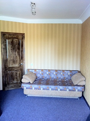 2-комнатная квартира посуточно в Бердянске. ул. Ульяновых, 2. Фото 1