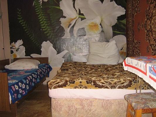 1-комнатная квартира посуточно в Евпатории. ул. Эскадронная, 12. Фото 1