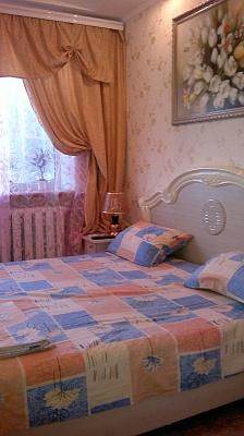 3-комнатная квартира посуточно в Житомире. ул. Киевская, 28. Фото 1