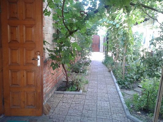 3-комнатная квартира посуточно в Бердянске. ул. Белинского, 27. Фото 1