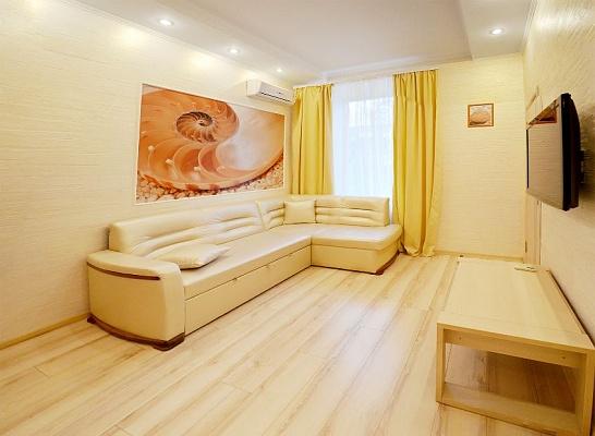 2-комнатная квартира посуточно в Одессе. Приморский район, ул. Маяковского, 1. Фото 1