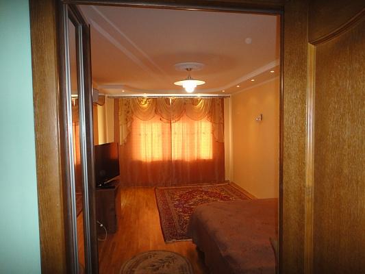 1-комнатная квартира посуточно в Ивано-Франковске. ул. Независимости, 43. Фото 1