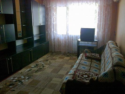 2-комнатная квартира посуточно в Бердянске. ул. Пушкина, 11. Фото 1