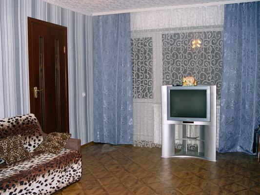2-комнатная квартира посуточно в Харькове. Фрунзенский район, Стадионный пр., 2. Фото 1