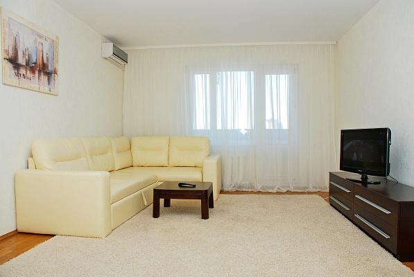 2-комнатная квартира посуточно в Киеве. Дарницкий район, ул. Гмыри, 1. Фото 1