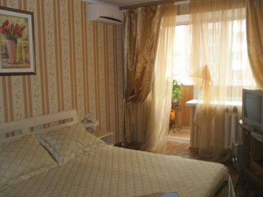 1-комнатная квартира посуточно в Полтаве. Октябрьский район, ул. Черновола. Фото 1