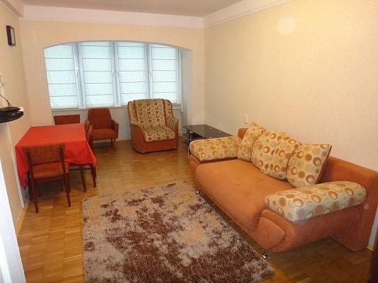 2-комнатная квартира посуточно в Киеве. Печерский район, ул. Щорса, 37. Фото 1