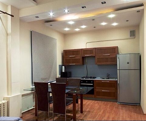 2-комнатная квартира посуточно в Киеве. Дарницкий район, ул. Урловская, 16. Фото 1