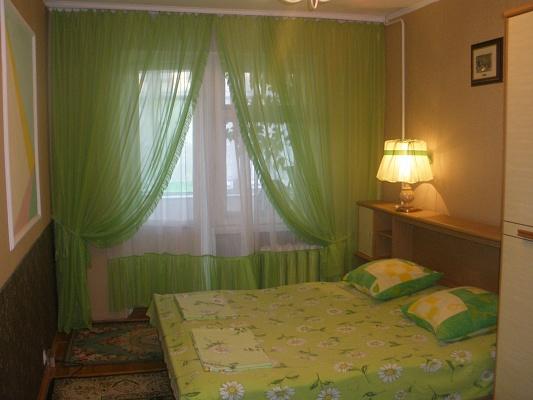 3-комнатная квартира посуточно в Бердянске. пр-т Пролетарский, 228. Фото 1