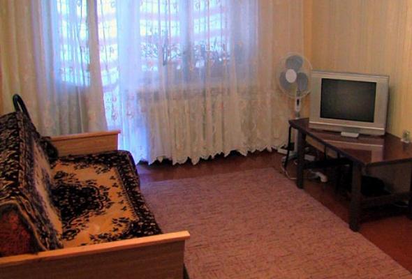 2-комнатная квартира посуточно в Запорожье. Заводской район, ул. Историческая, 48. Фото 1