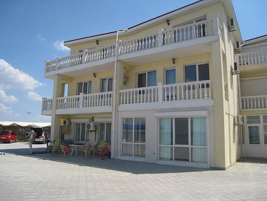 Мини-отель  посуточно в Мирном. ул. Набережная , 33А. Фото 1