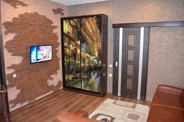 2-комнатная квартира посуточно в Никополе. пр-т Трубников, 1. Фото 1