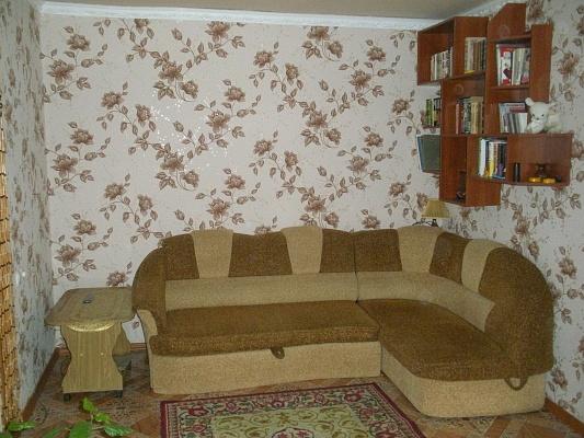 2-комнатная квартира посуточно в Балаклее. пл. Ростовцева, 9. Фото 1