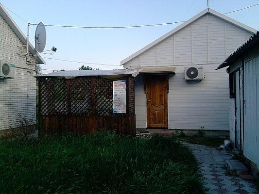 Дом  посуточно в Бердянске. ул. Свободы, 100. Фото 1