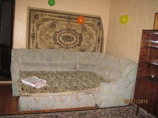 2-комнатная квартира посуточно в Запорожье. Ленинский район, ул. Ленина, 177. Фото 1