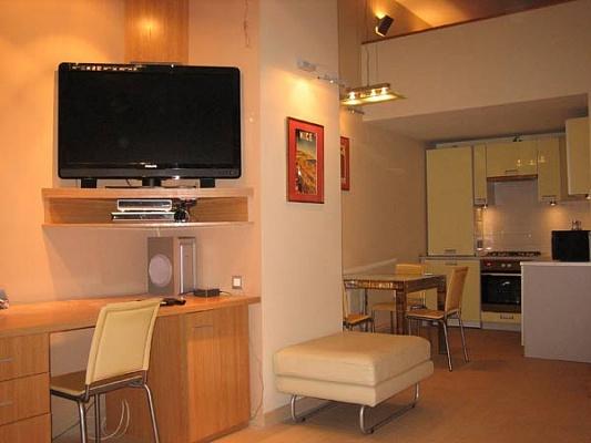 1-комнатная квартира посуточно в Одессе. Приморский район, пер. Чайковского, 8. Фото 1