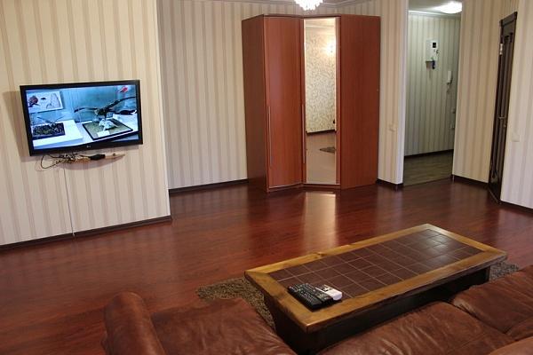 2-комнатная квартира посуточно в Донецке. Киевский район, пр-т Титова, 6. Фото 1